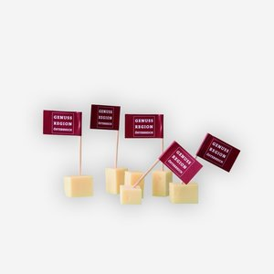 """toothpicks with flag """"Genuss Region Österreich"""""""